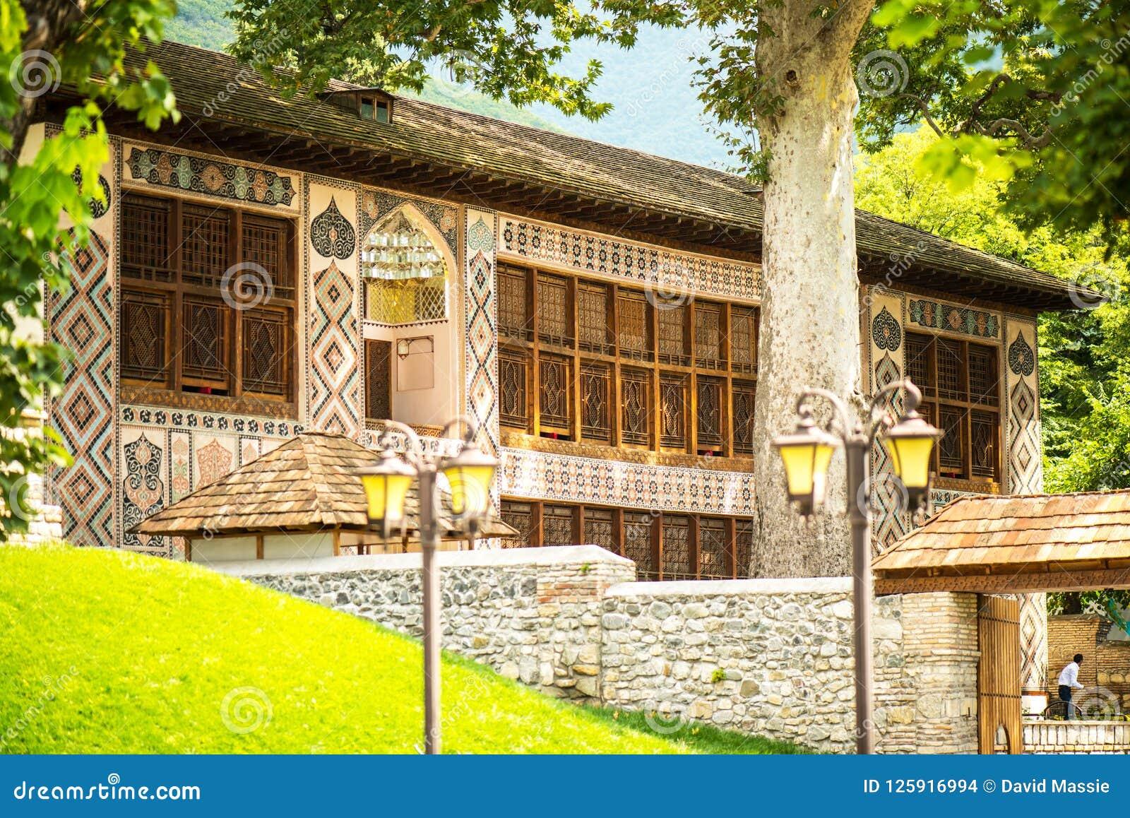 De Bestemming van de Shekitoerist in de Bergen van de Kaukasus, Khan Palace