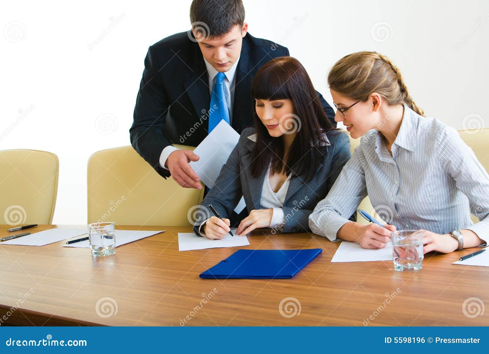 In de bestuurskamer