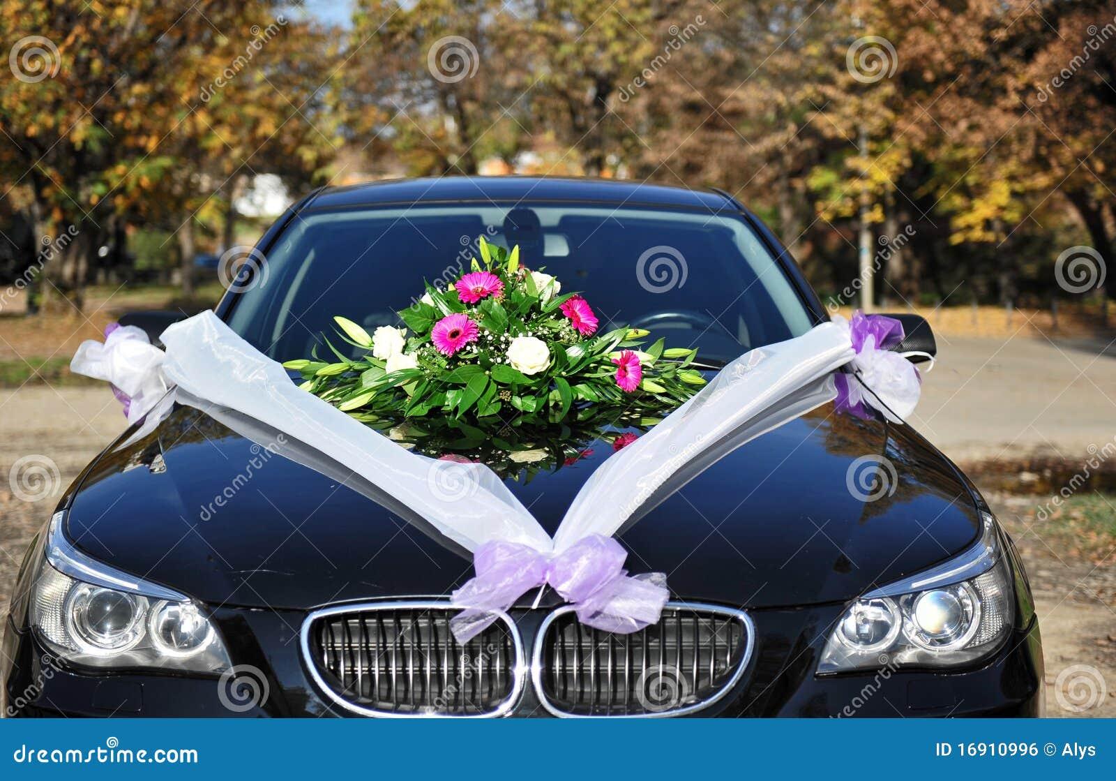 De bloemen van het huwelijk op auto royalty vrije stock