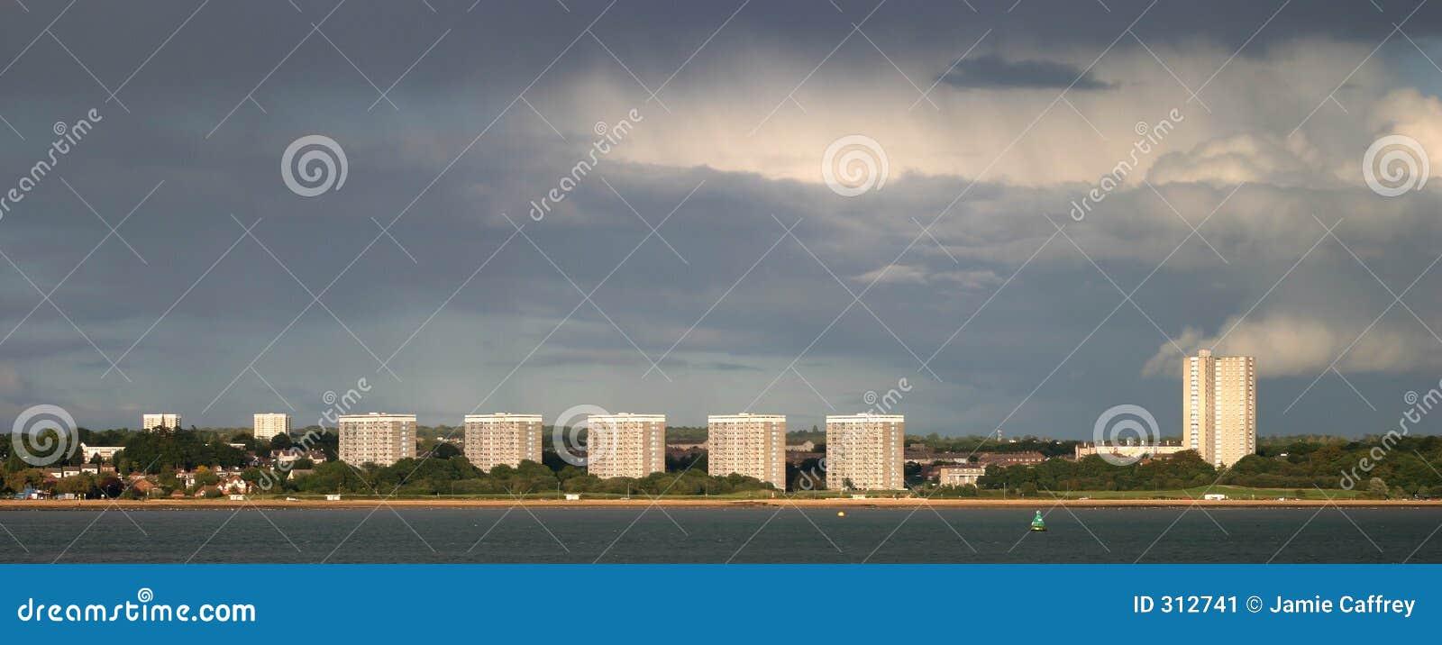 De Blokken van de toren op een Stormachtige Dag