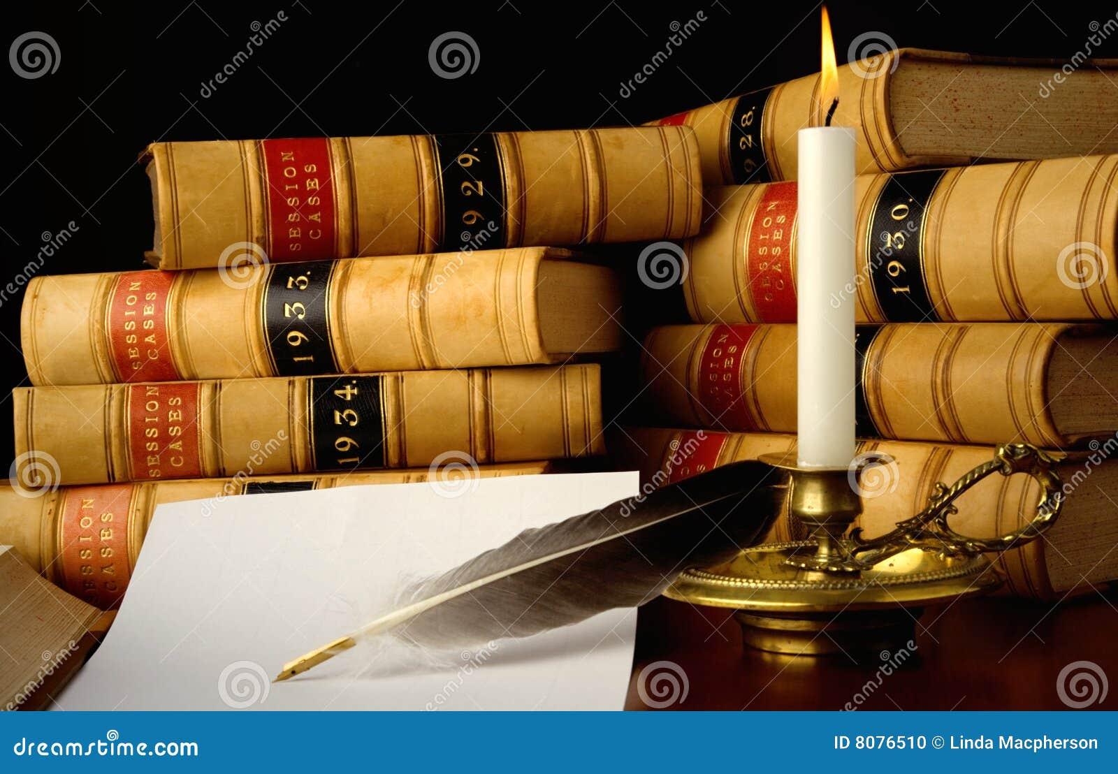 De boeken van de wet door Kaarslicht