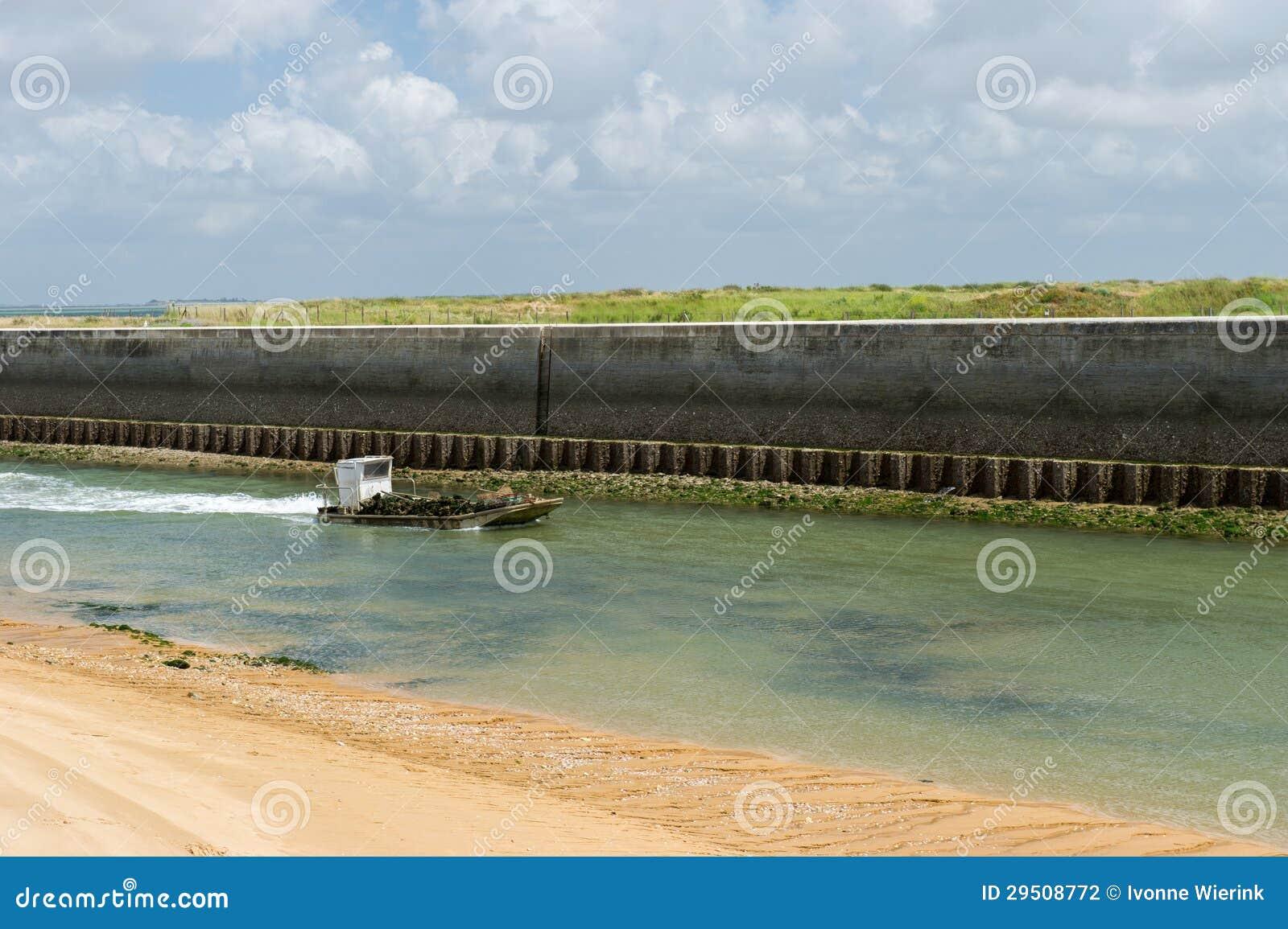 De boot van de oester bij eiland Oleron