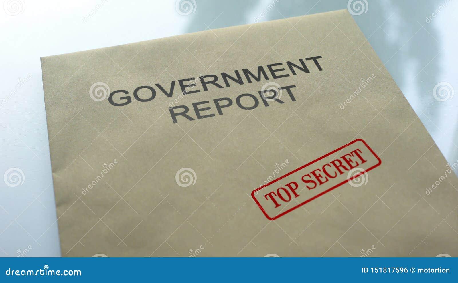De bovenkant van het overheidsrapport - geheim, verbinding op omslag met belangrijke documenten wordt gestempeld dat