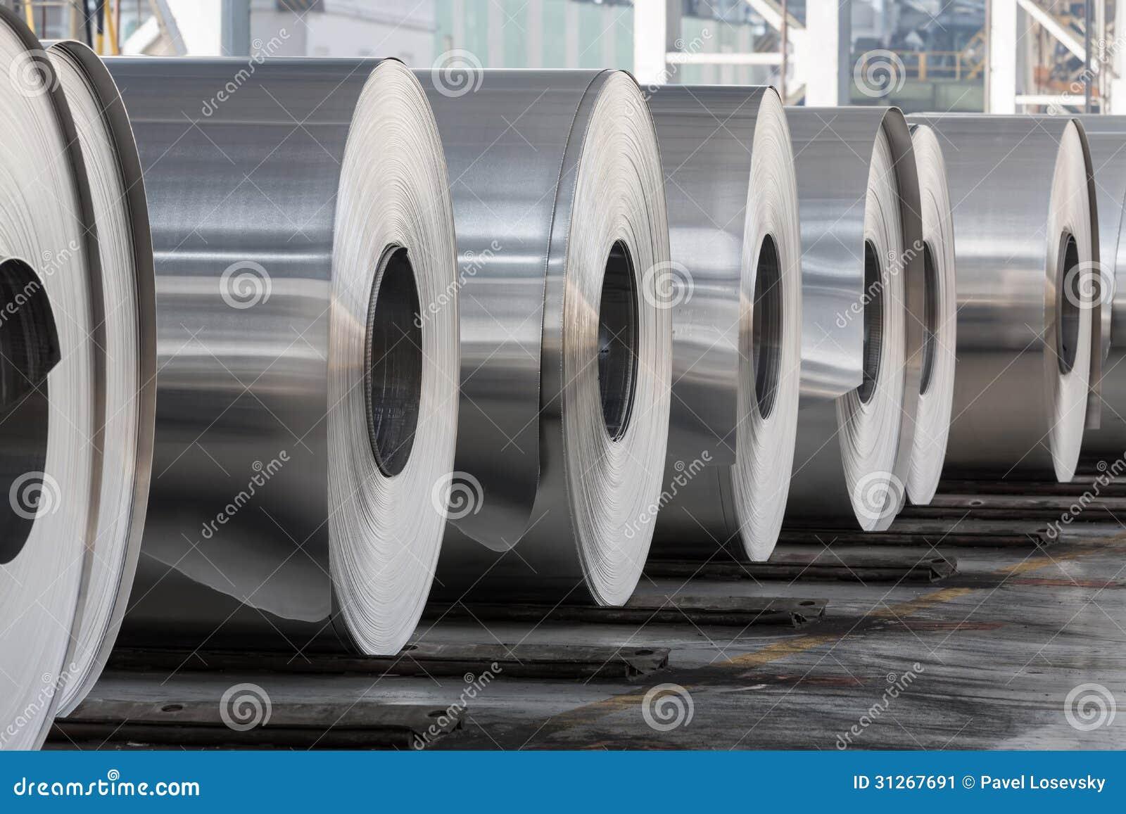 De broodjes van aluminium sluiten omhoog