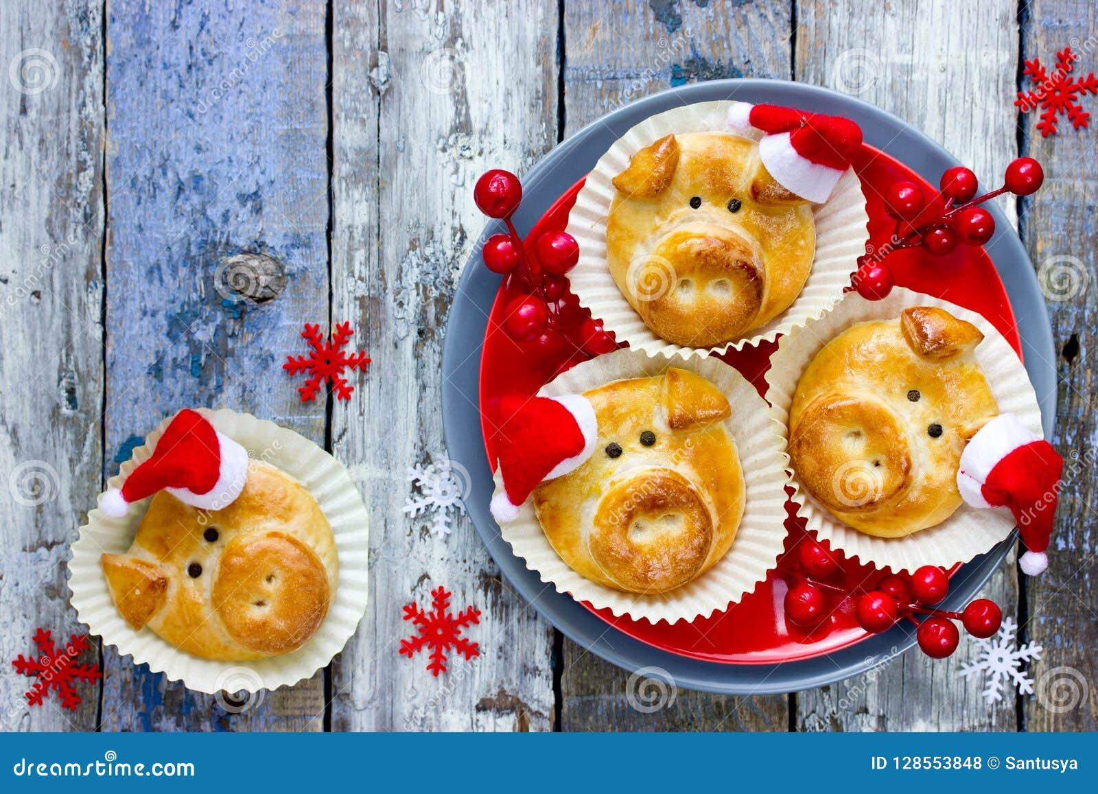 De broodjes van het varkensbrood, grappige bakselidee gestalte gegeven leuke piggy gezichten