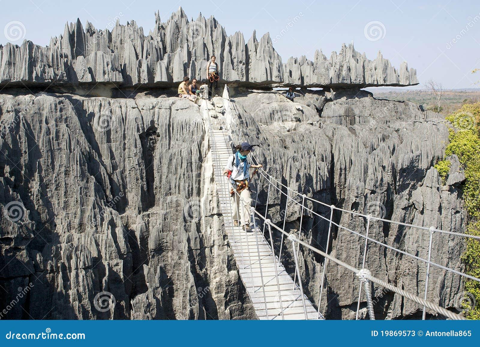 De brug in Tsingy DE Bemaraha