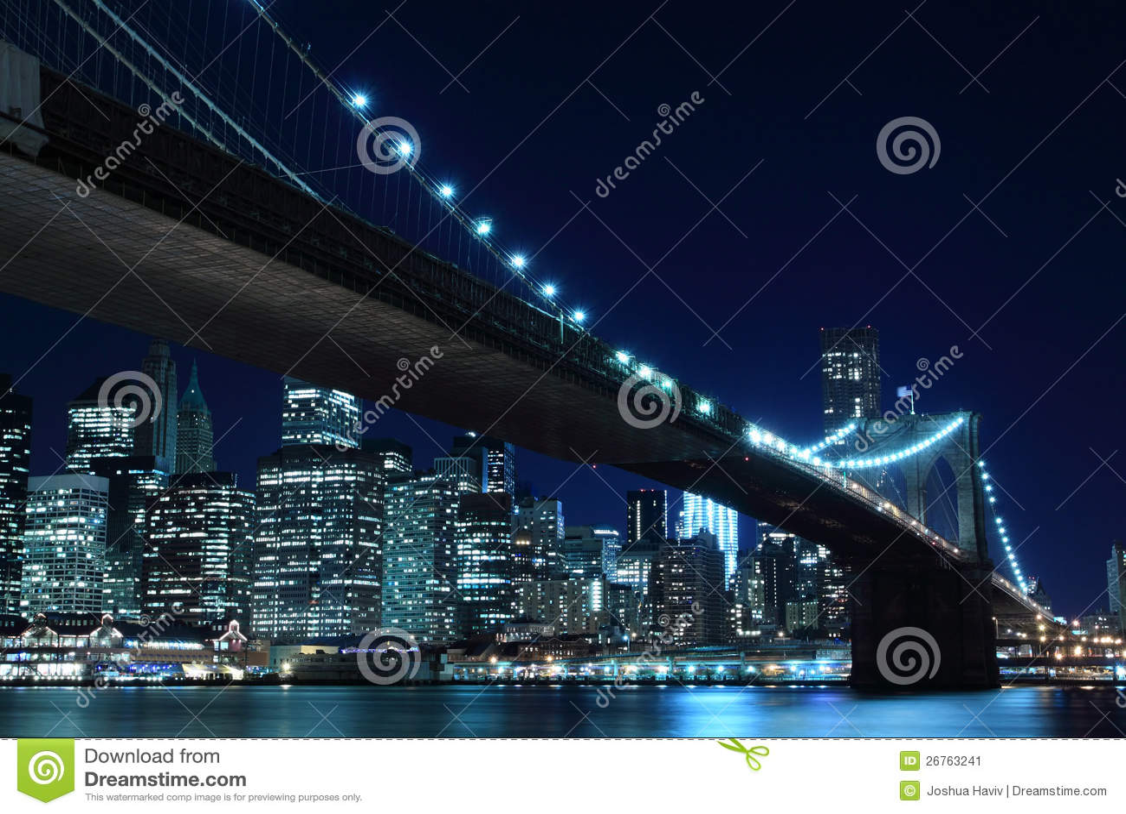 De Brug van Brooklyn en de Horizon van Manhattan bij Nacht