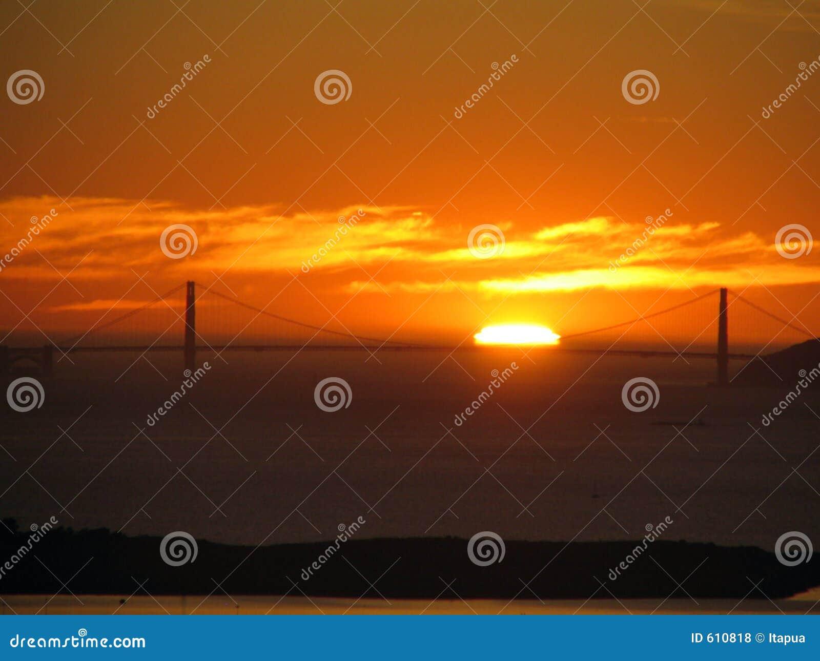 De Brug van de Poort van Sunset_Golden