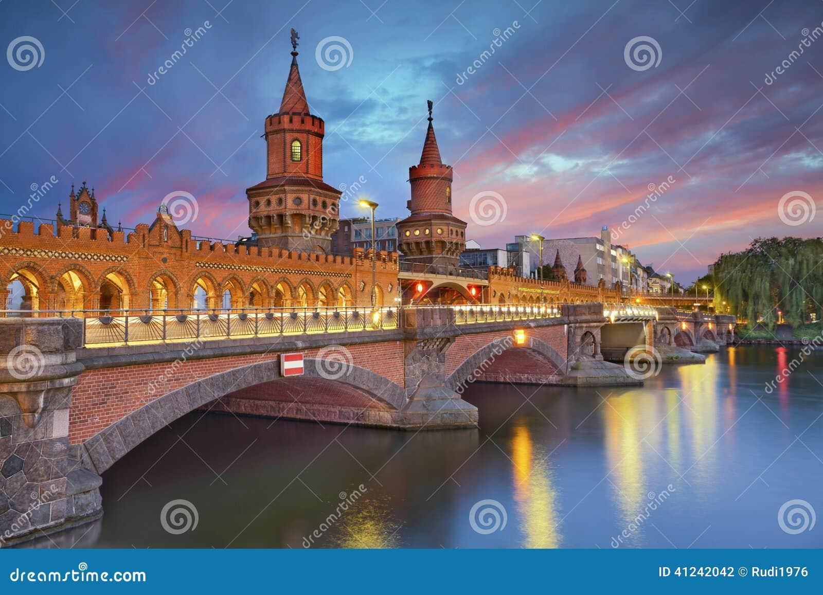 De brug van Oberbaum, Berlijn