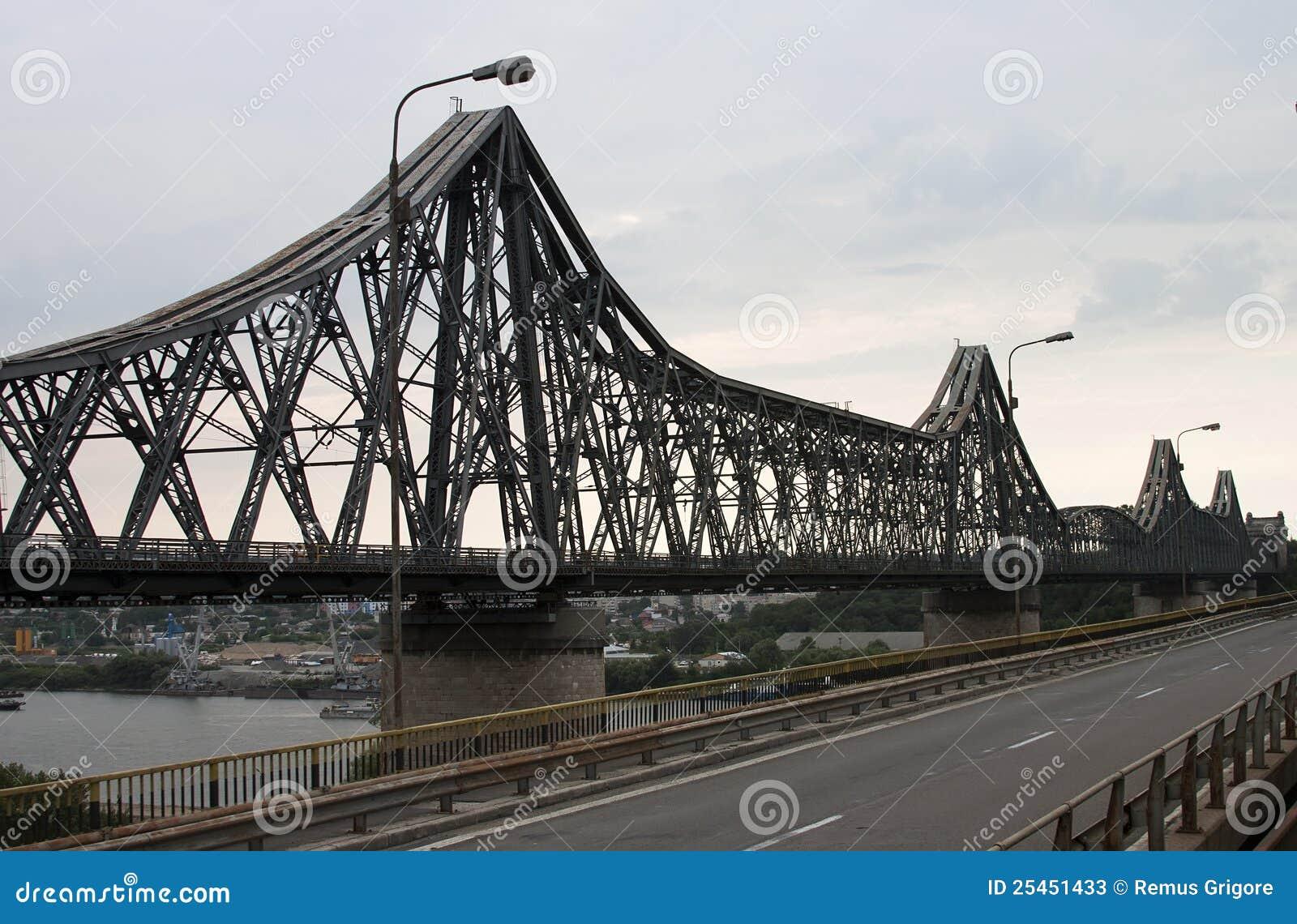 De brug van Saligny - RUW formaat