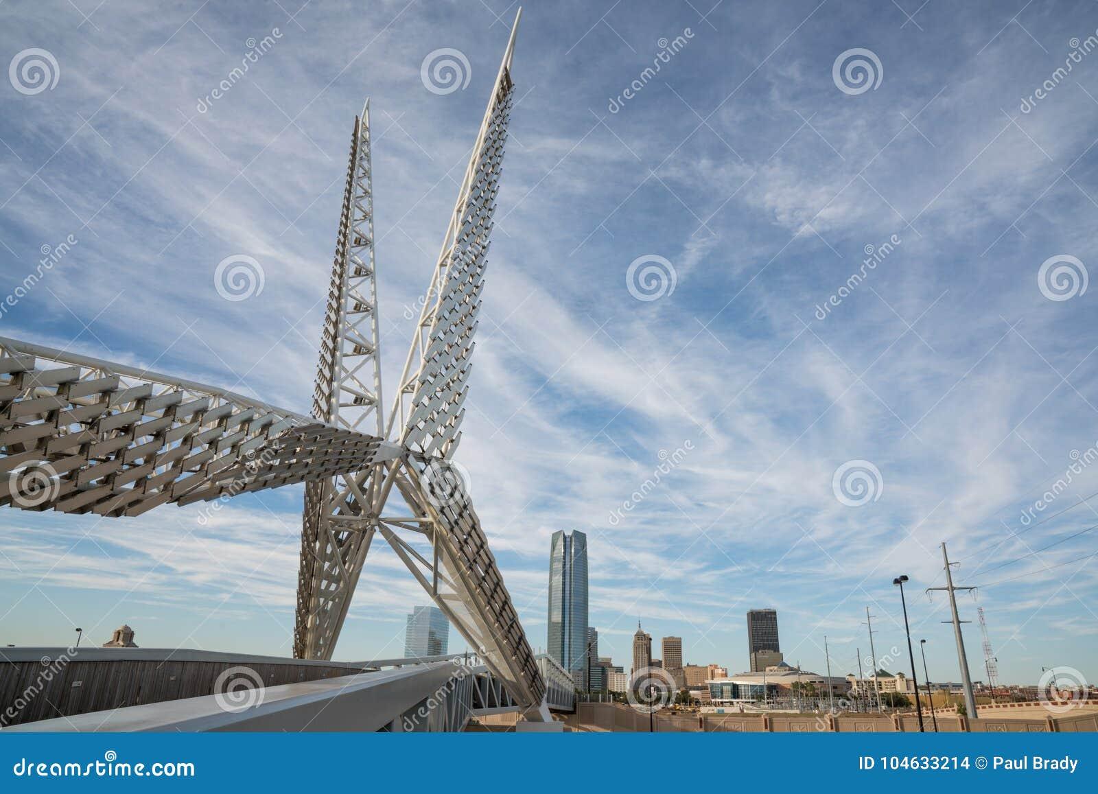 Download De Brug Van De Stadsskydance Van Oklahoma Redactionele Stock Afbeelding - Afbeelding bestaande uit modern, skyline: 104633214