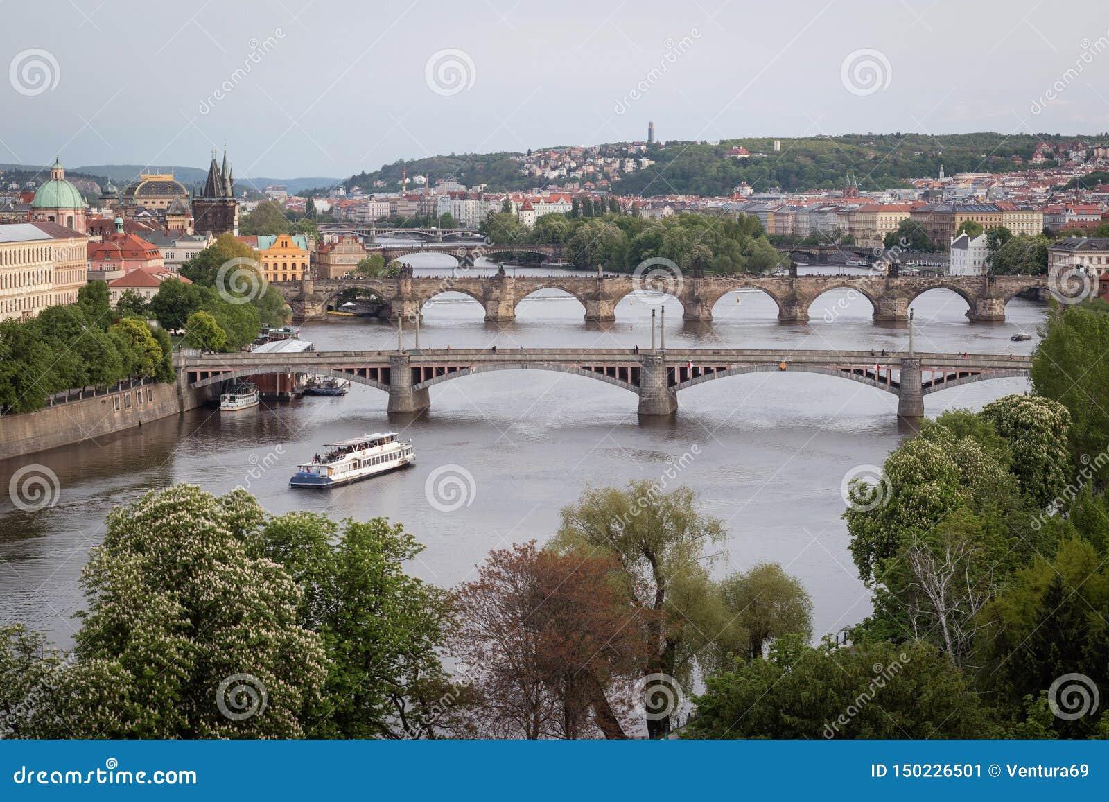 De Bruggen van Praag over Vltava-Rivier, Tsjechische Republiek
