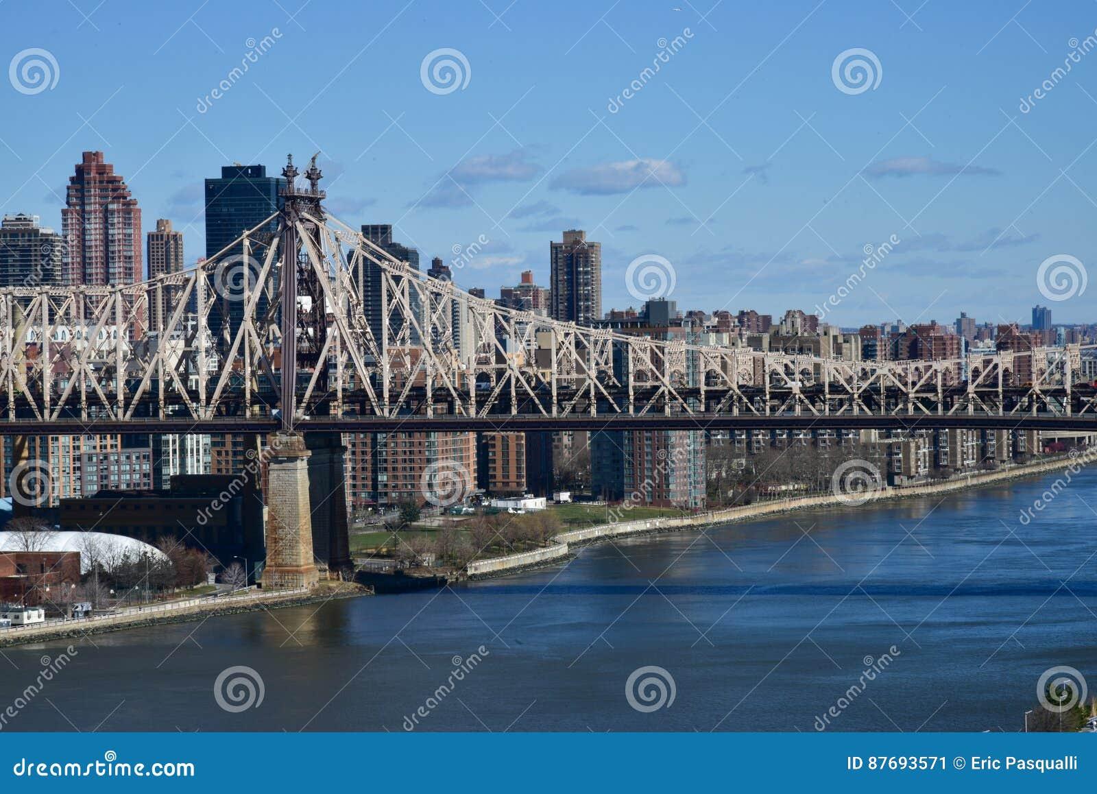 De Brugmening van ED Koch Queensboro van Long Island-Stad aan Rooseveld-Eiland