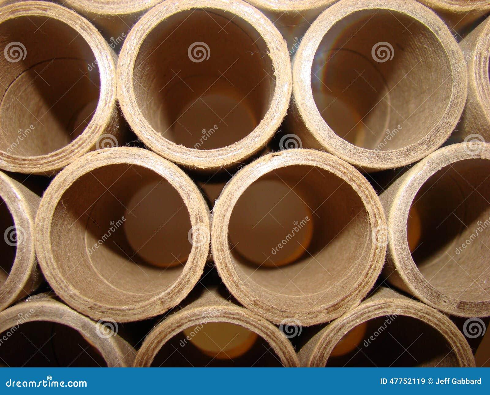 De buizen van de kartoncilinder