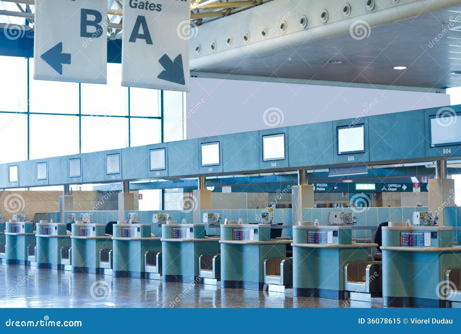 De bureaus van de luchthavencontrole