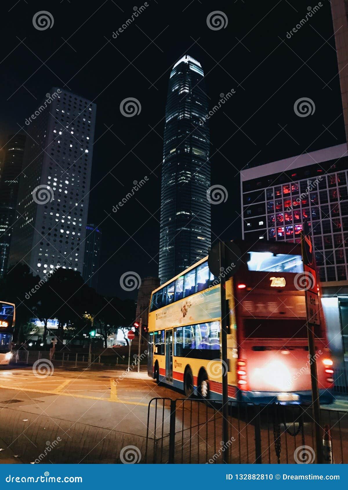 De bus van Hong Kong, nacht