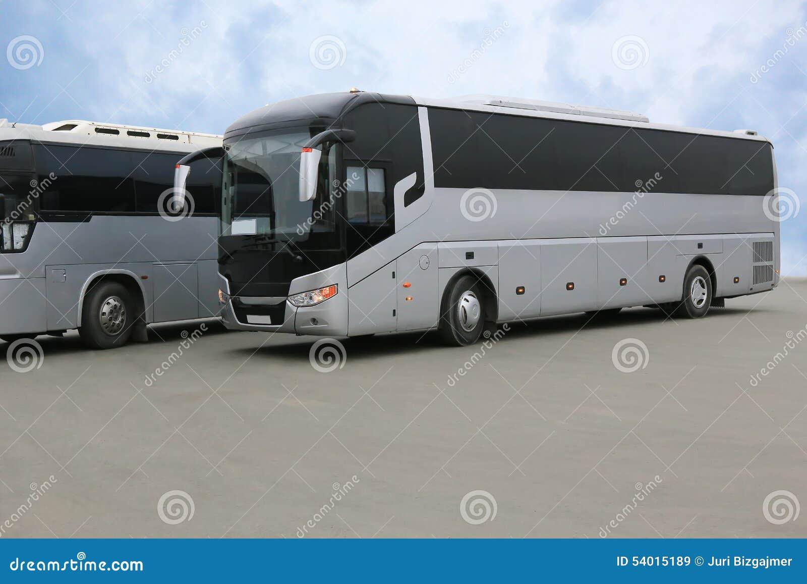 De bussen van de toerist op parkeren