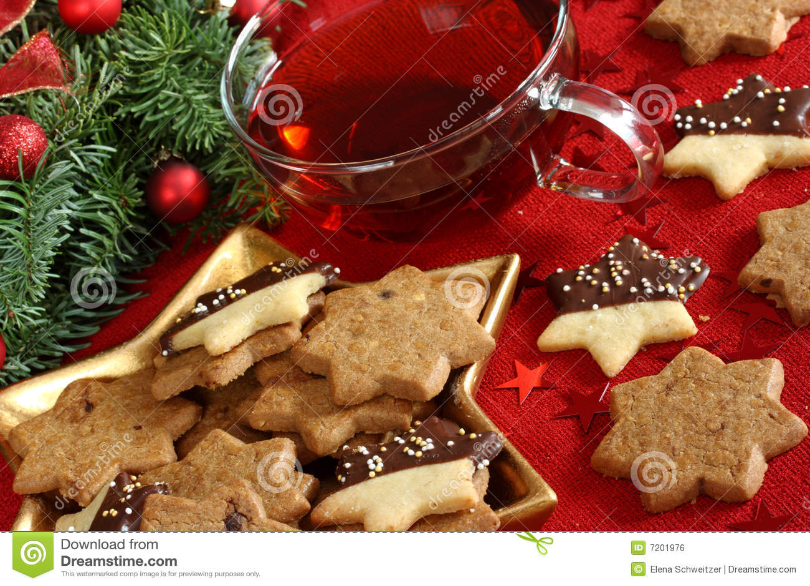 De cakes en de thee van Kerstmis