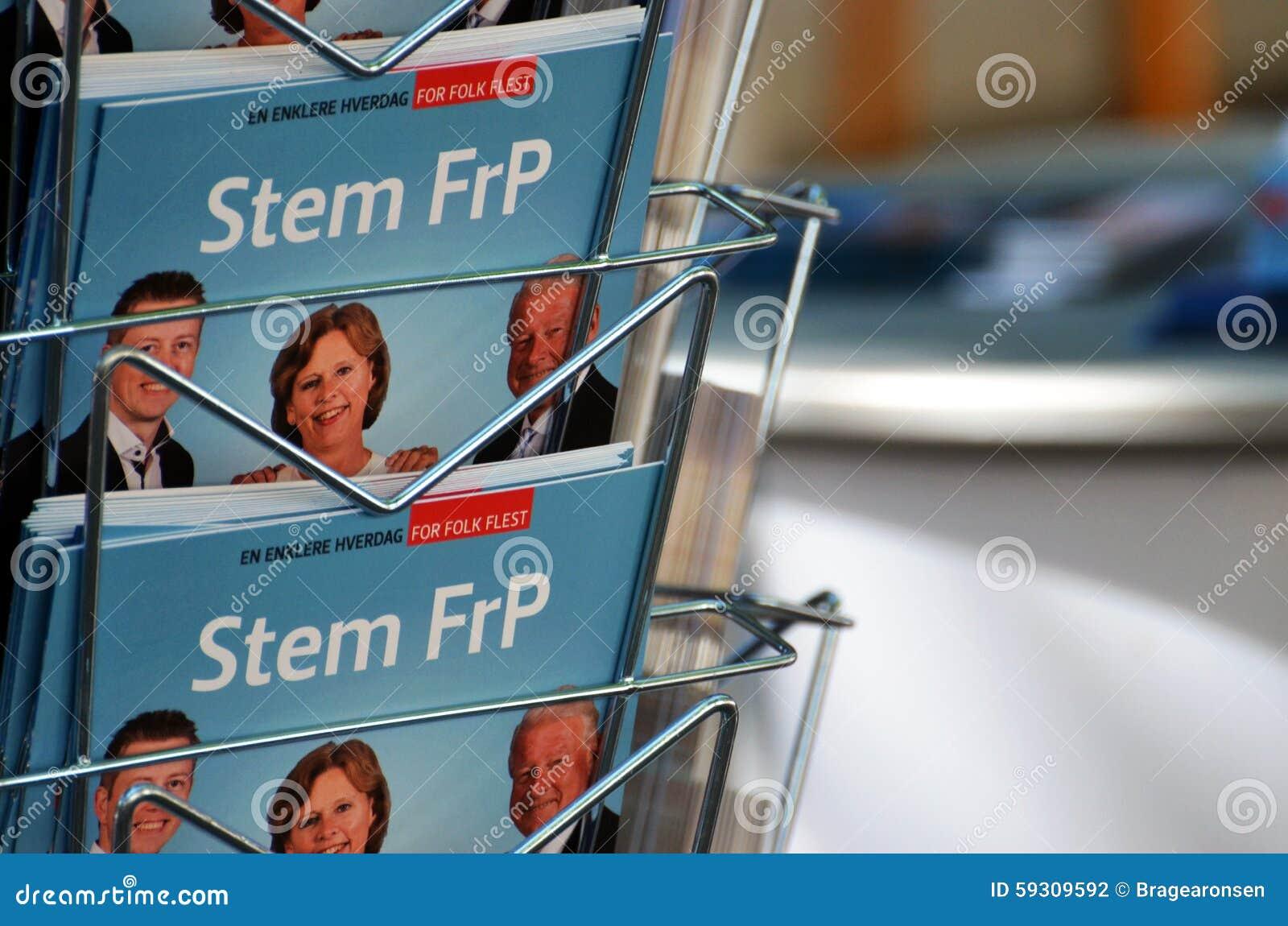 De campagnetribune Noorse van de Vooruitgangspartij (FrP)