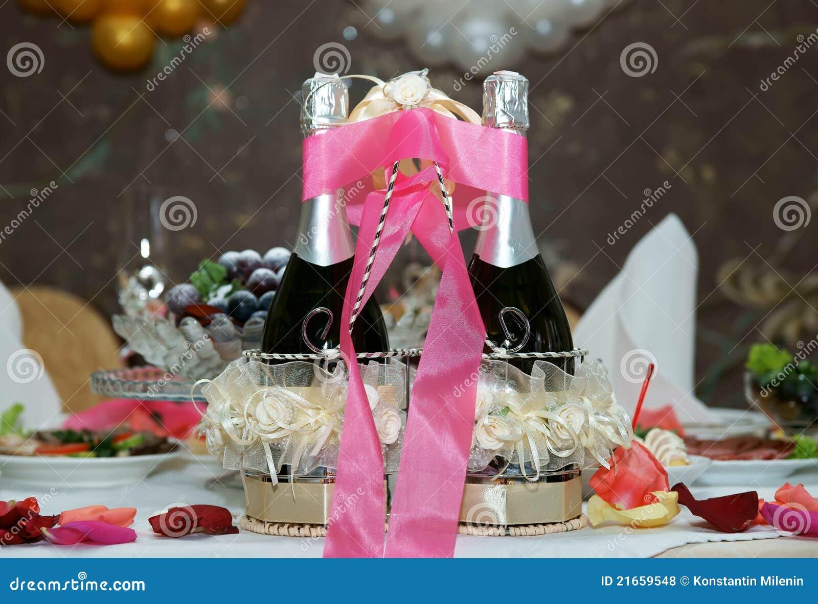De champagne van het huwelijk