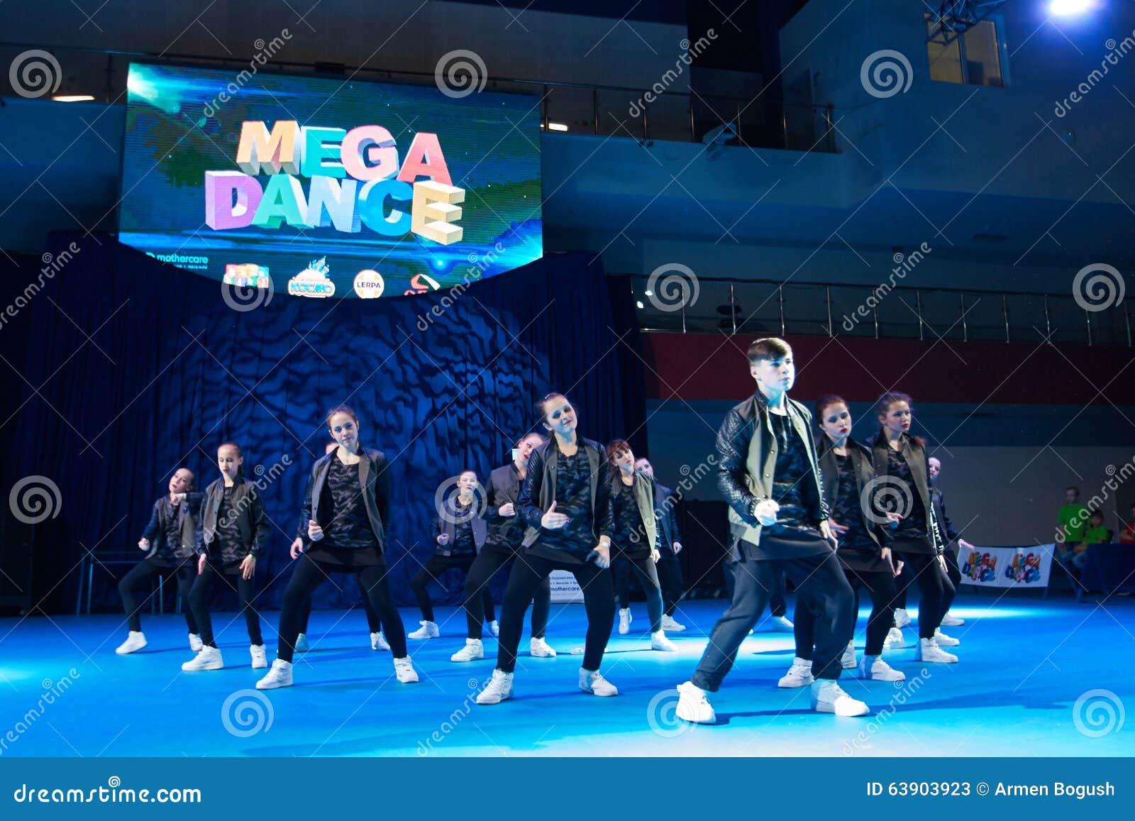 De competities van de kinderen van  MegaDance  in choreografie, 28 November 2015 in Minsk, Wit-Rusland