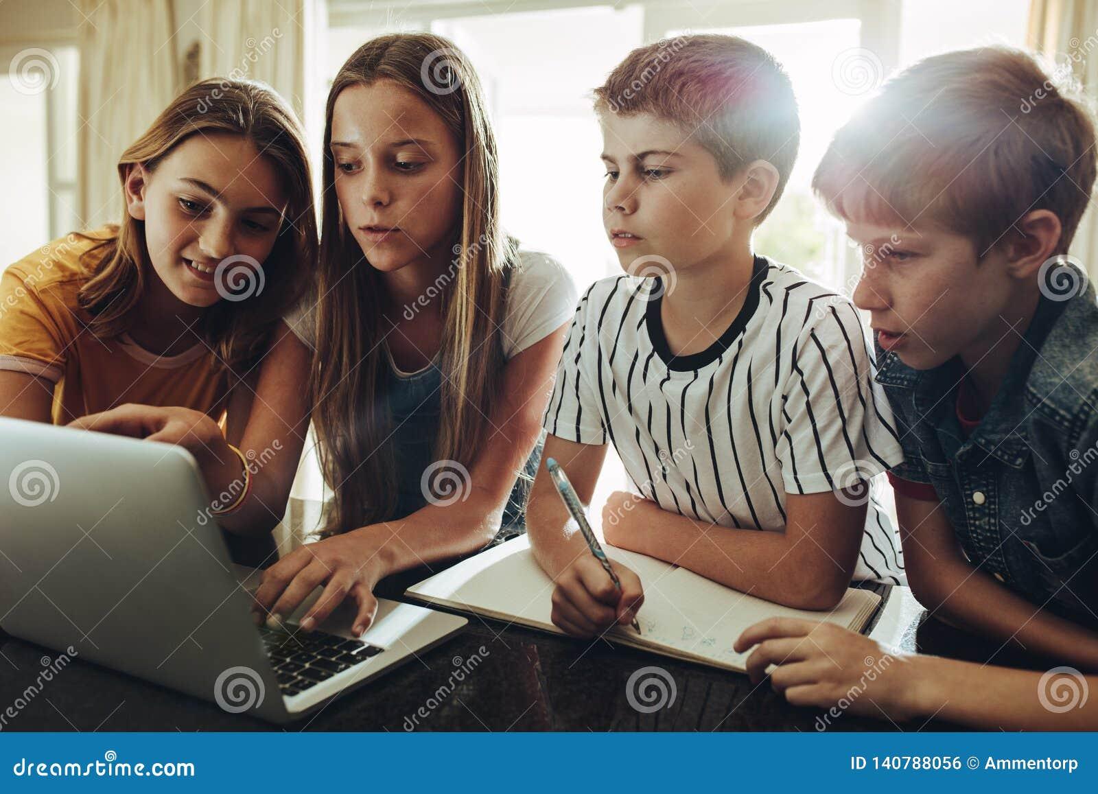 De computer is een grote het leren hulp voor studenten