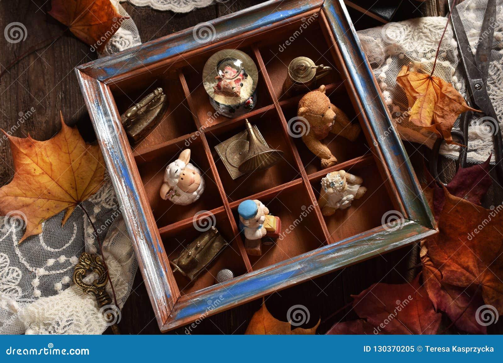 a77c2dc2b7a6cd D'automne d'humeur de cru de style toujours la vie avec la collection  miniature de substances dans la boîte en bois