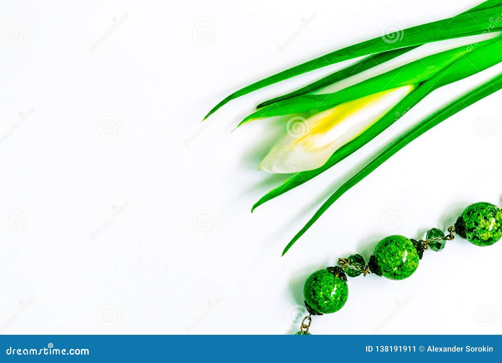 De dag, de bloemen voor dames en de juwelen van Valentine