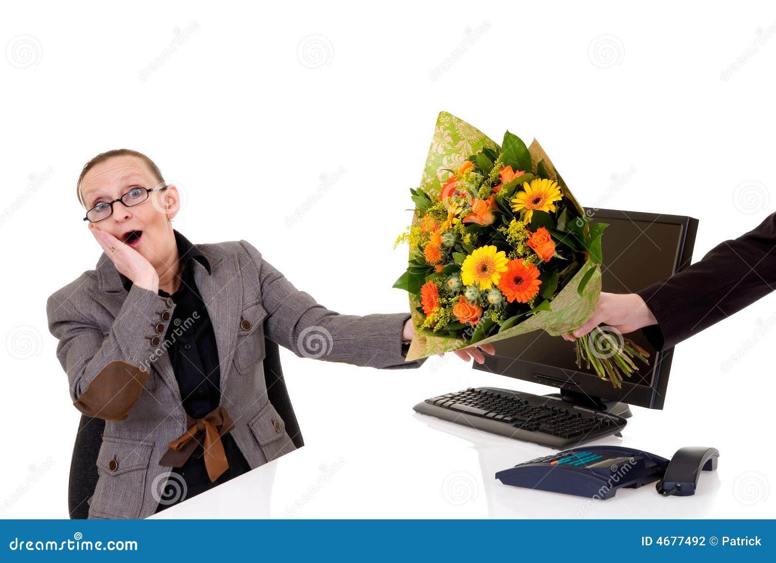 De dag van de secretaresse bloemen op bureau stock fotografie afbeelding 4677492 - Secretaresse witte ...