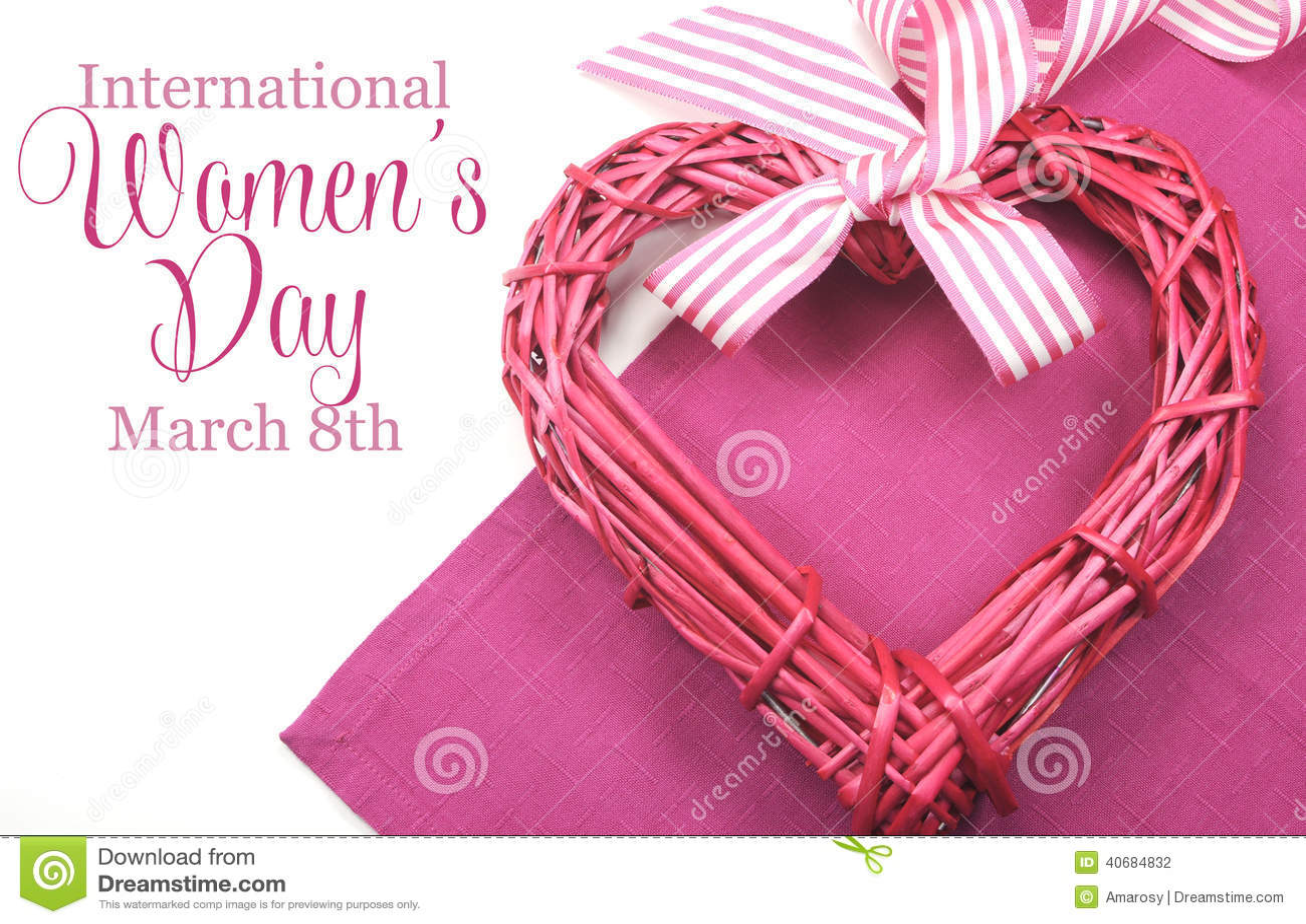 De Dag van gelukkige Internationale Vrouwen, 8 Maart, hart en tekst