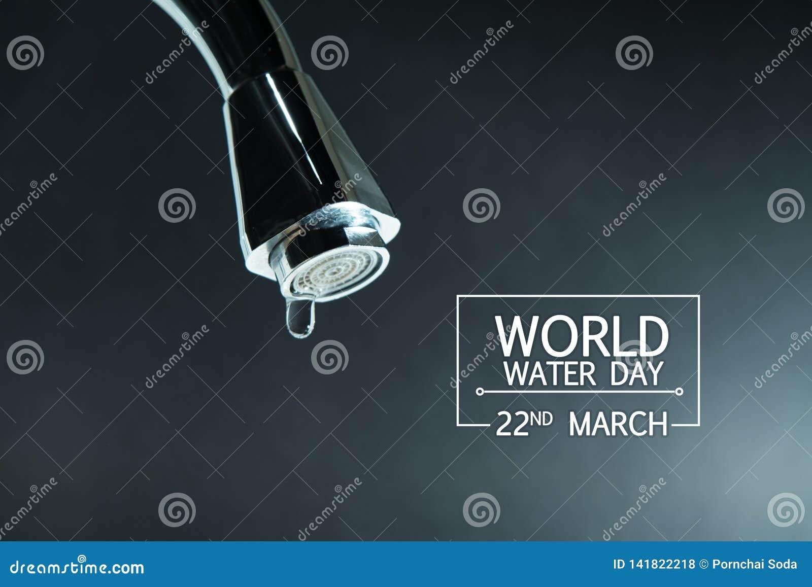 De dag van het wereldwater, waterdaling op tapkraan met zwarte achtergronden