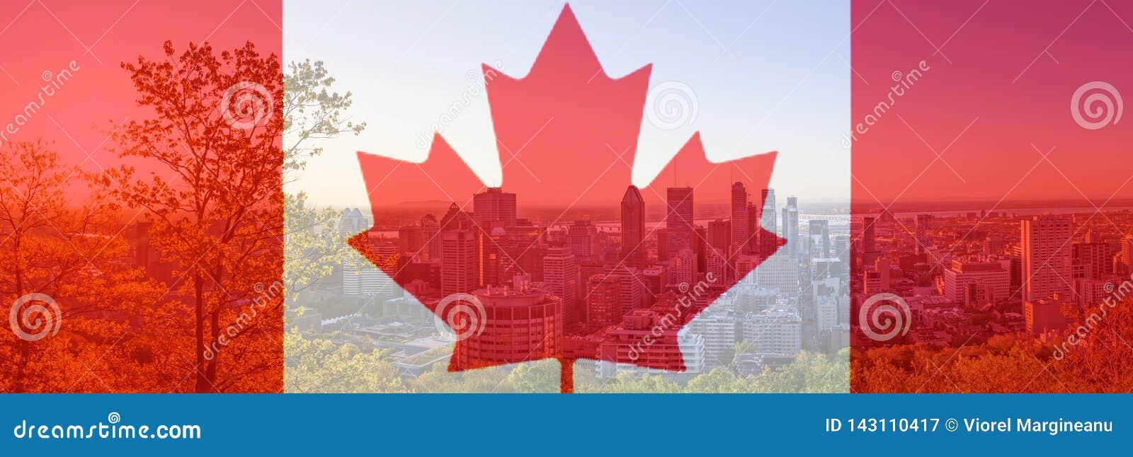 De Dagvlag van Canada met esdoornblad op achtergrond van de stad van Montreal Rood Canadees symbool over gebouwen van de stad van