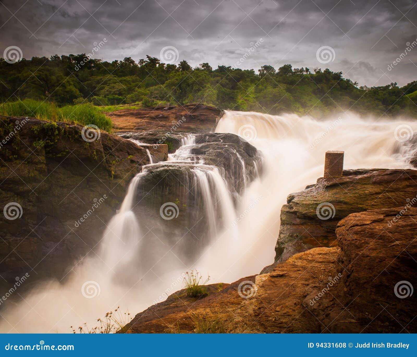 De Dalingen van Murchison, Oeganda