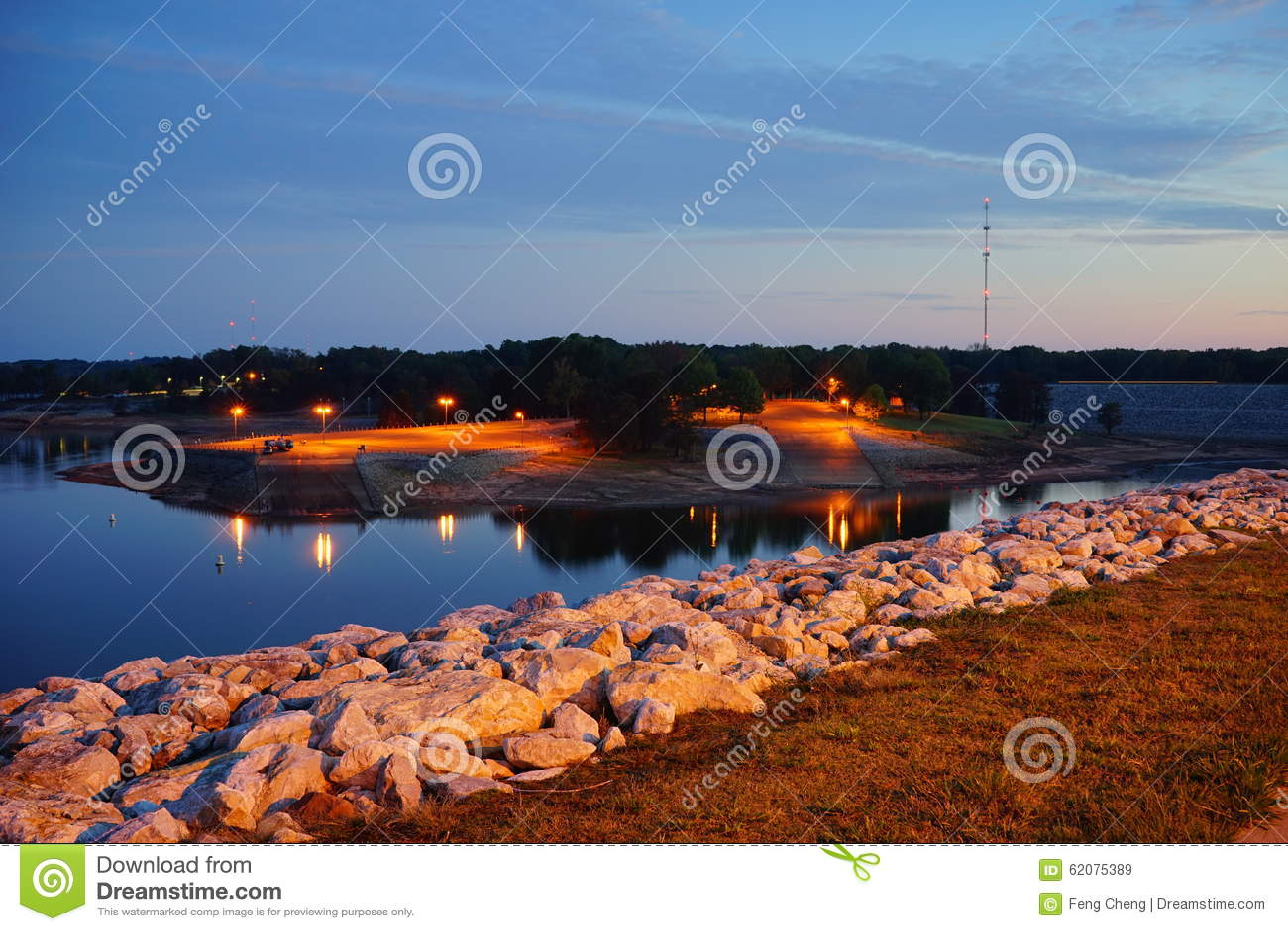 De dam van het Sardismeer