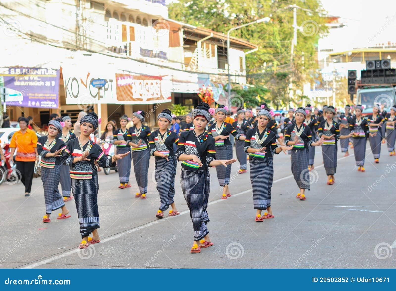 De dansen van de parade