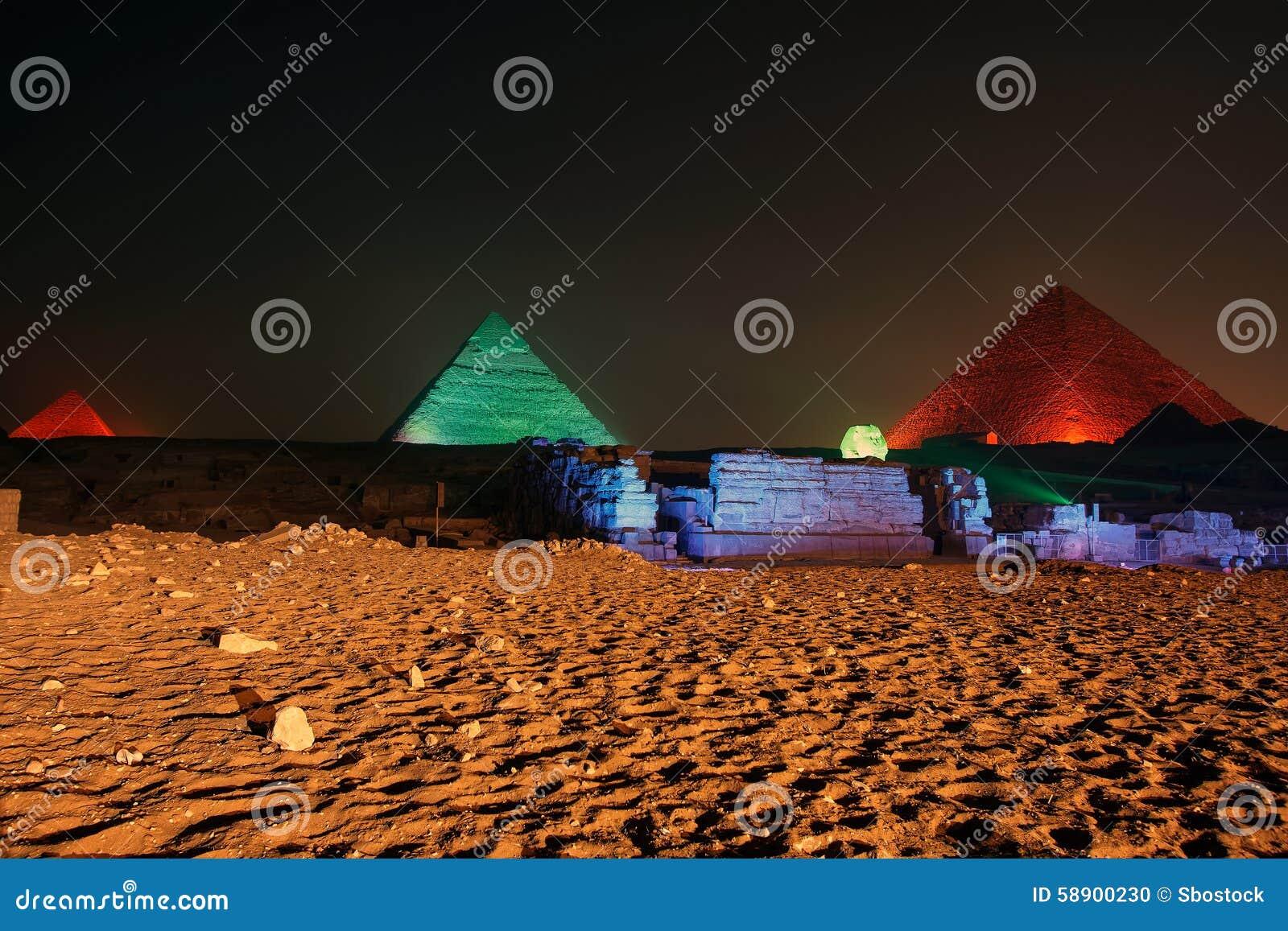 De de Gizapiramide en Sfinx, het geluid en het licht tonen, Kaïro, Egypte