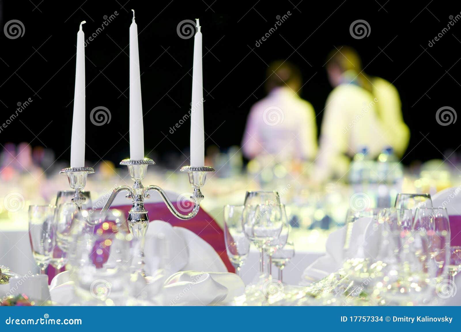 De decoratie van de de dienstlijst van de catering stock foto afbeelding 17757334 - Decoratie van de kamers van de meiden ...