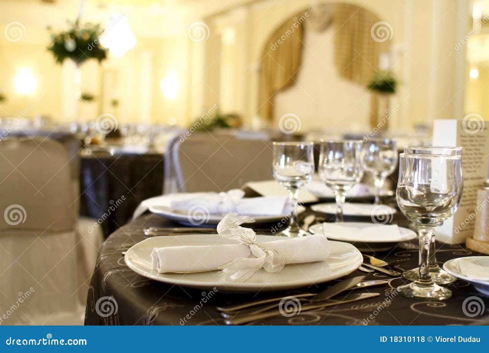 De decoratie van de gebeurtenis op lijst royalty vrije stock foto 39 s beeld 18310118 - Nachtclub decoratie ...