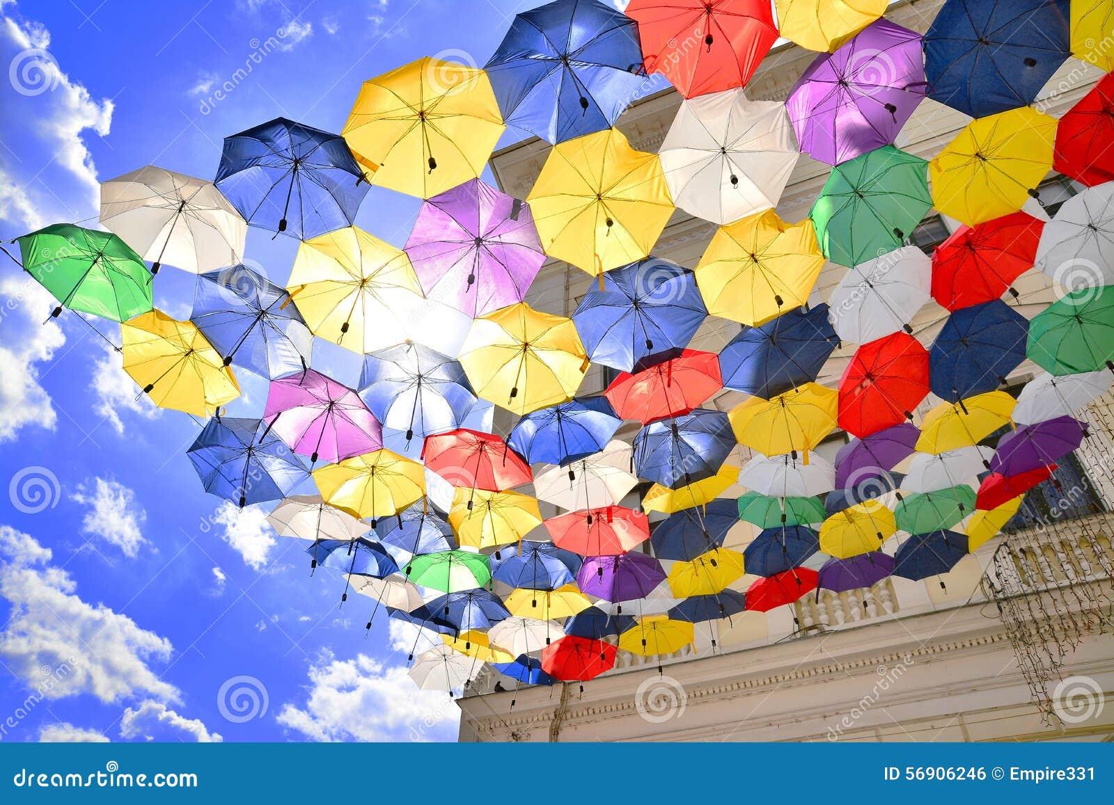 De decoratie van de paraplu 39 sstraat stock foto afbeelding 56906246 - Decoratie van de kamers van de meiden ...