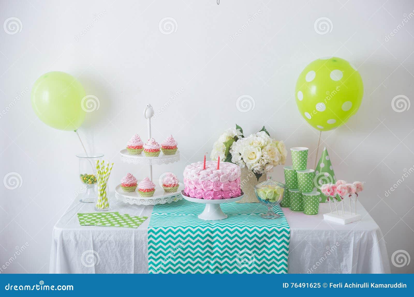 De decoratie van de verjaardagspartij