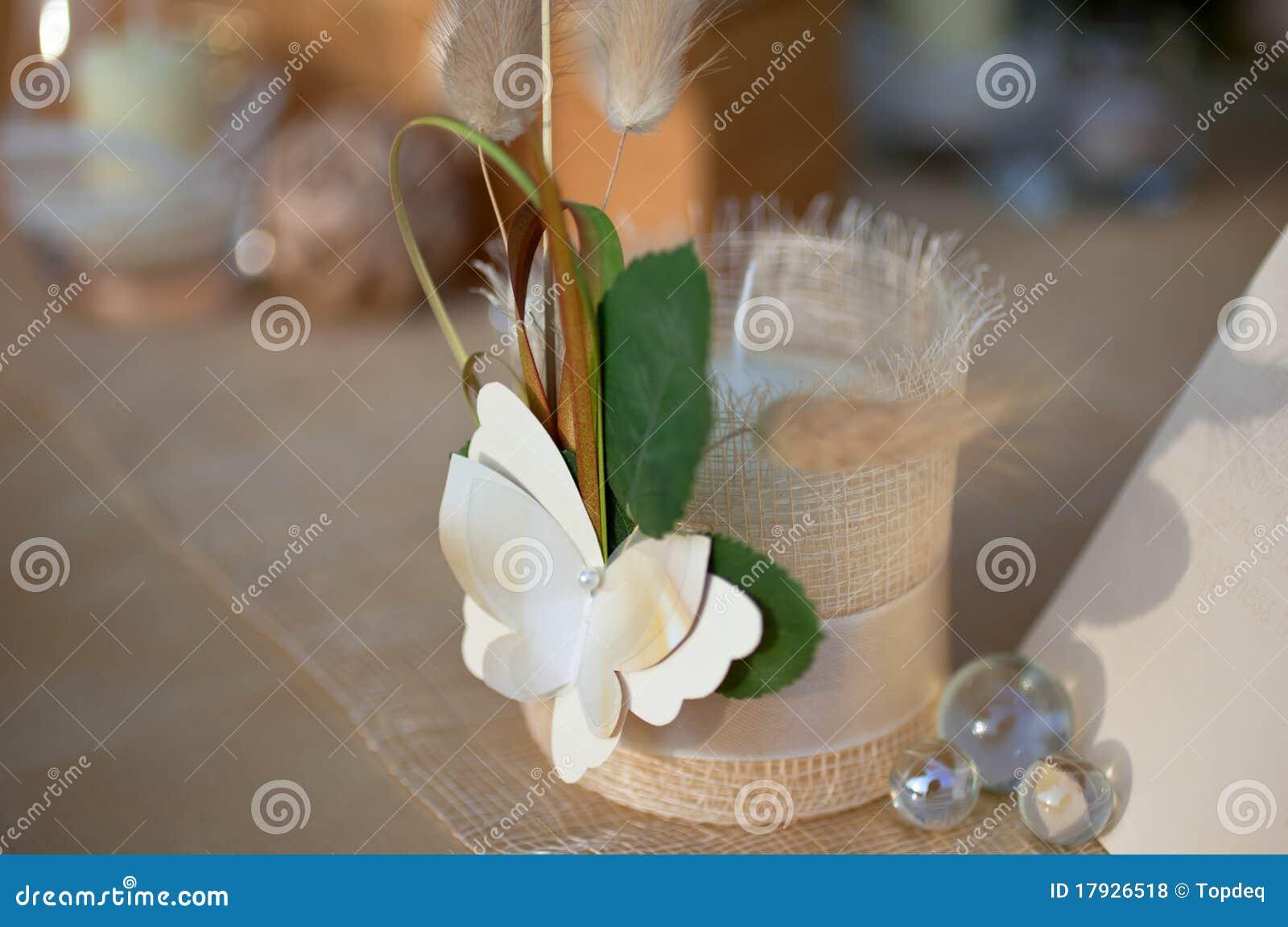 De decoratie van het huwelijk die met kaars wordt geplaatst stock foto afbeelding 17926518 - Foto decoratie ...