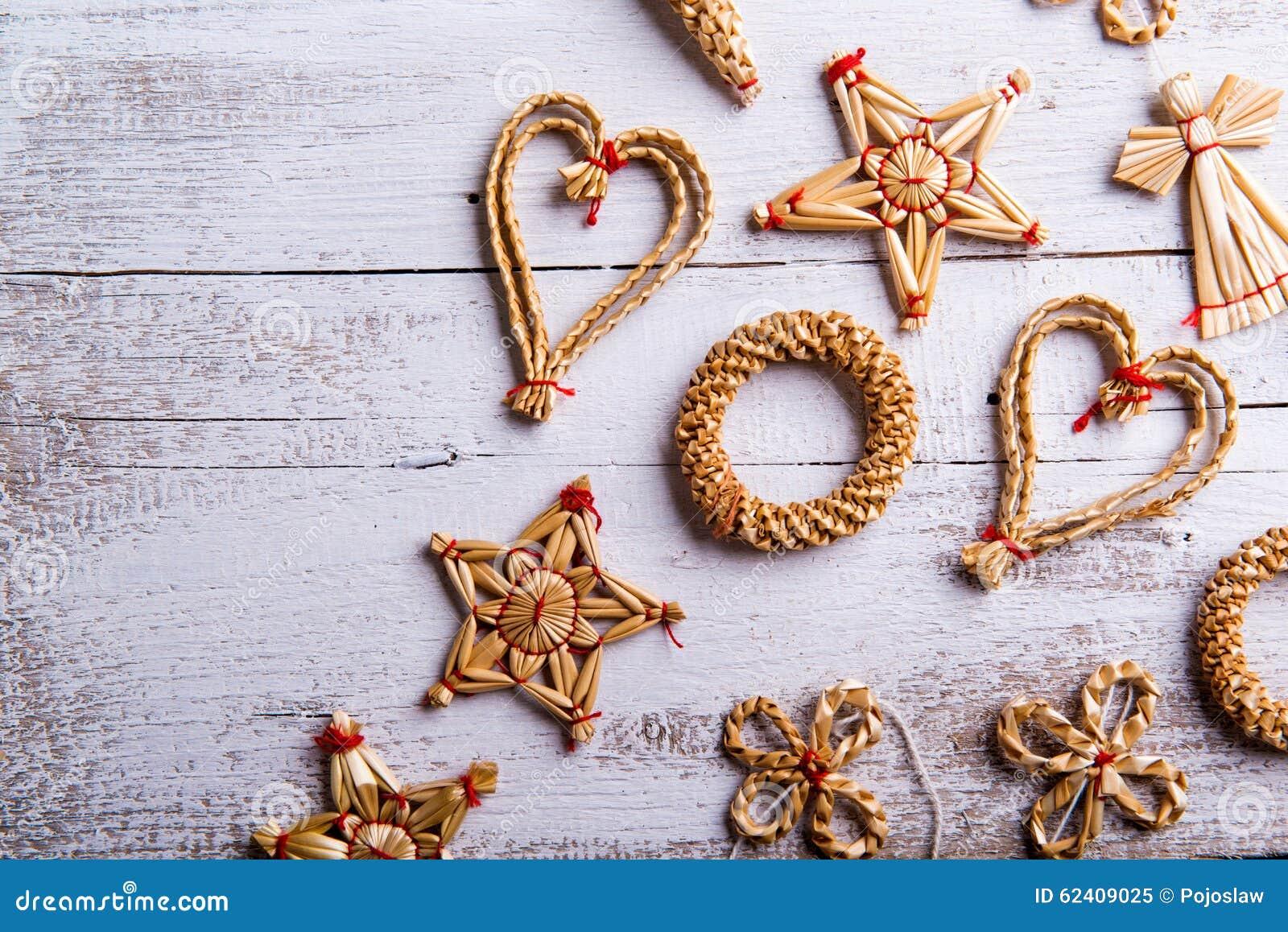 De decoratie van het kerstmisstro het schot van de studio stock