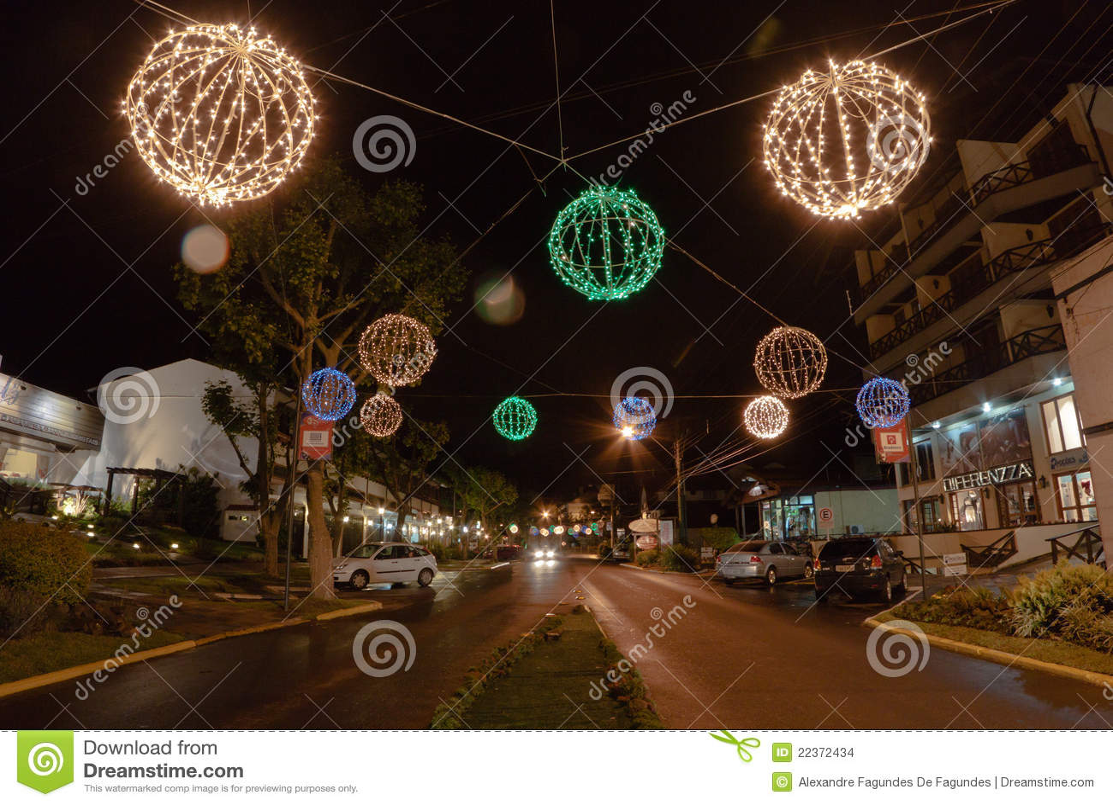 De Decoratie van Kerstmis bij Nacht Canela Brazilië