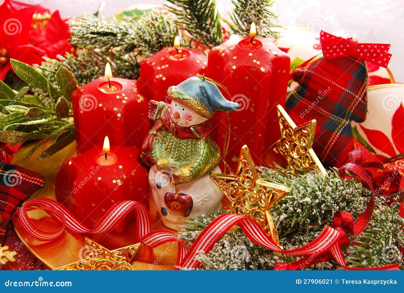 De decoratie van kerstmis met sneeuwman en kaarsen stock afbeelding afbeelding 27906021 - Decoratie van de kamers van de meiden ...
