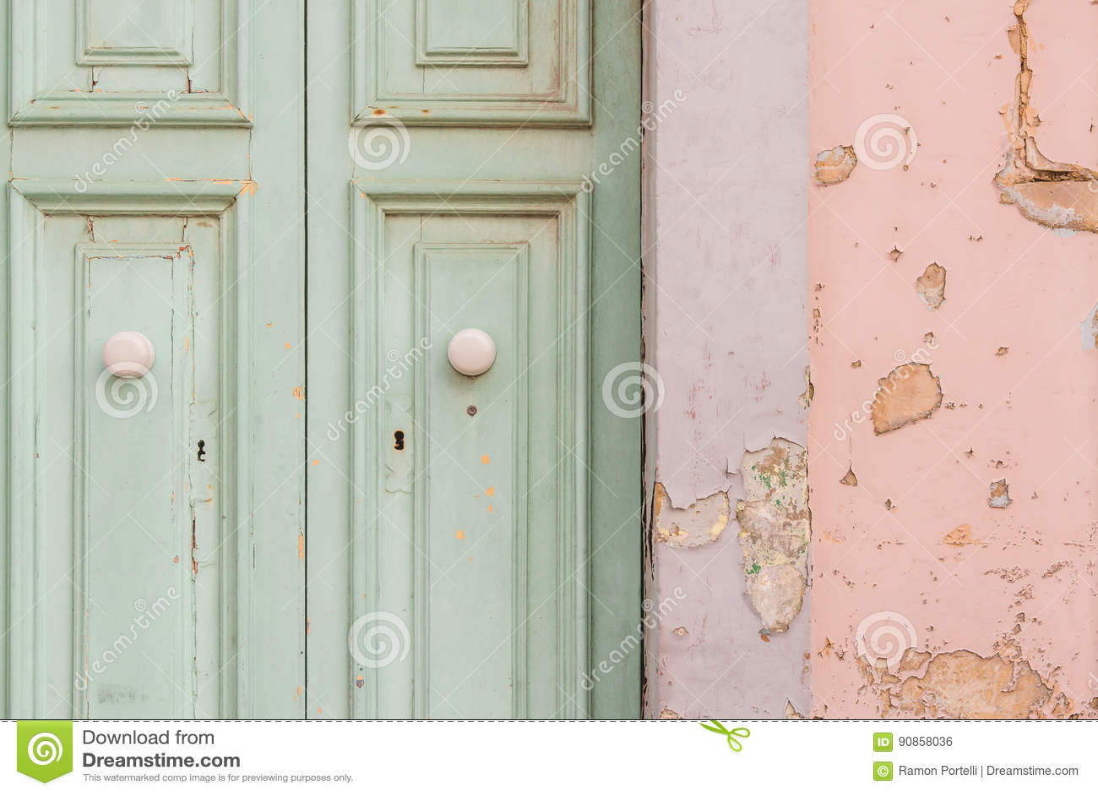 De deur van de schilverf