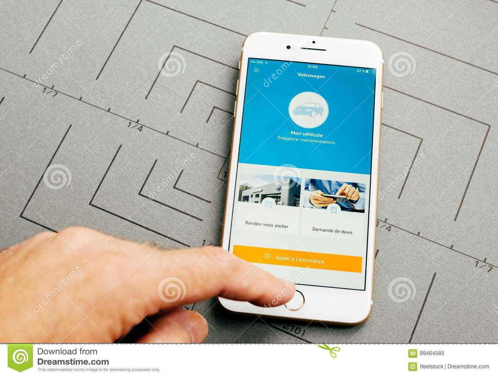 De dienst app van de Wolkswagenauto op iPhone 7 plus de zachte toepassing