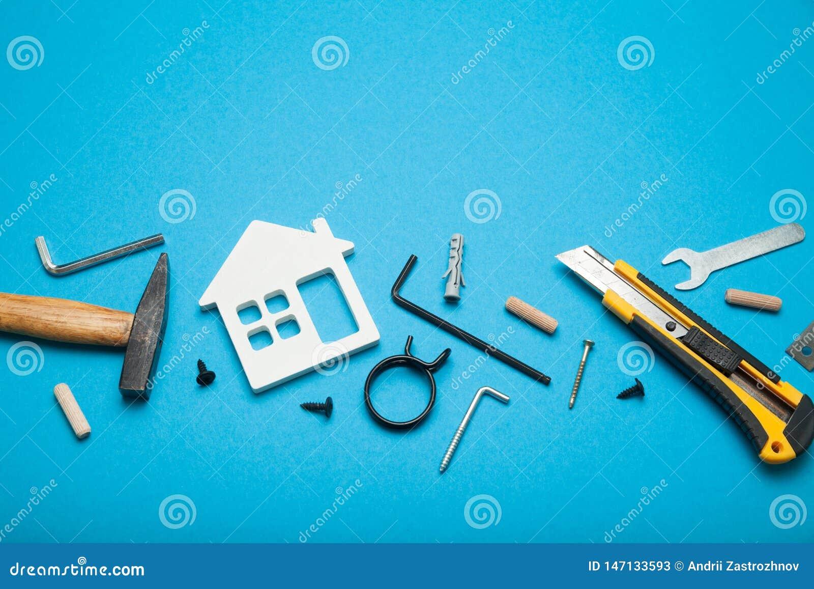 De dienst van de huisreparatie, de abstracte hardwarebouw Bouw creatief concept