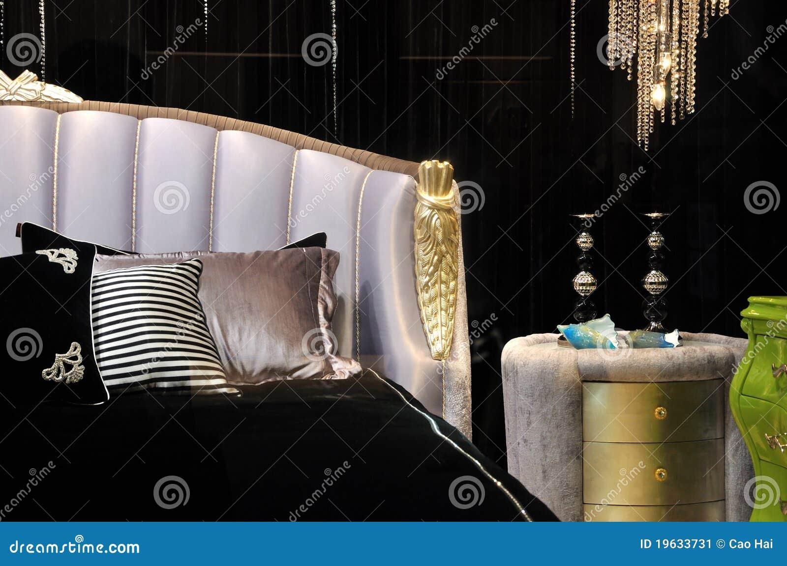 De Diepe Slaapkamer Van De Kleurenstijl Stock Afbeelding ...