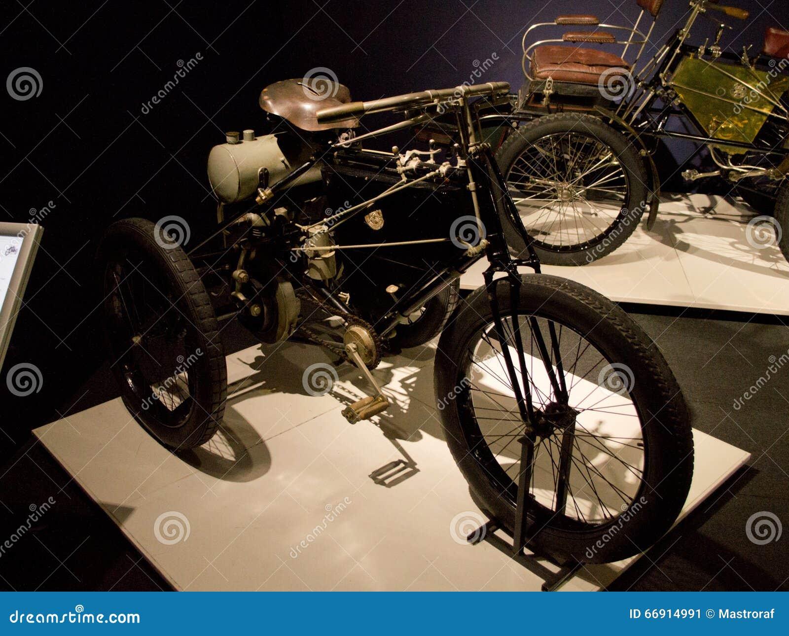 De Dion Bouton Tricycle en el museo de Louwman