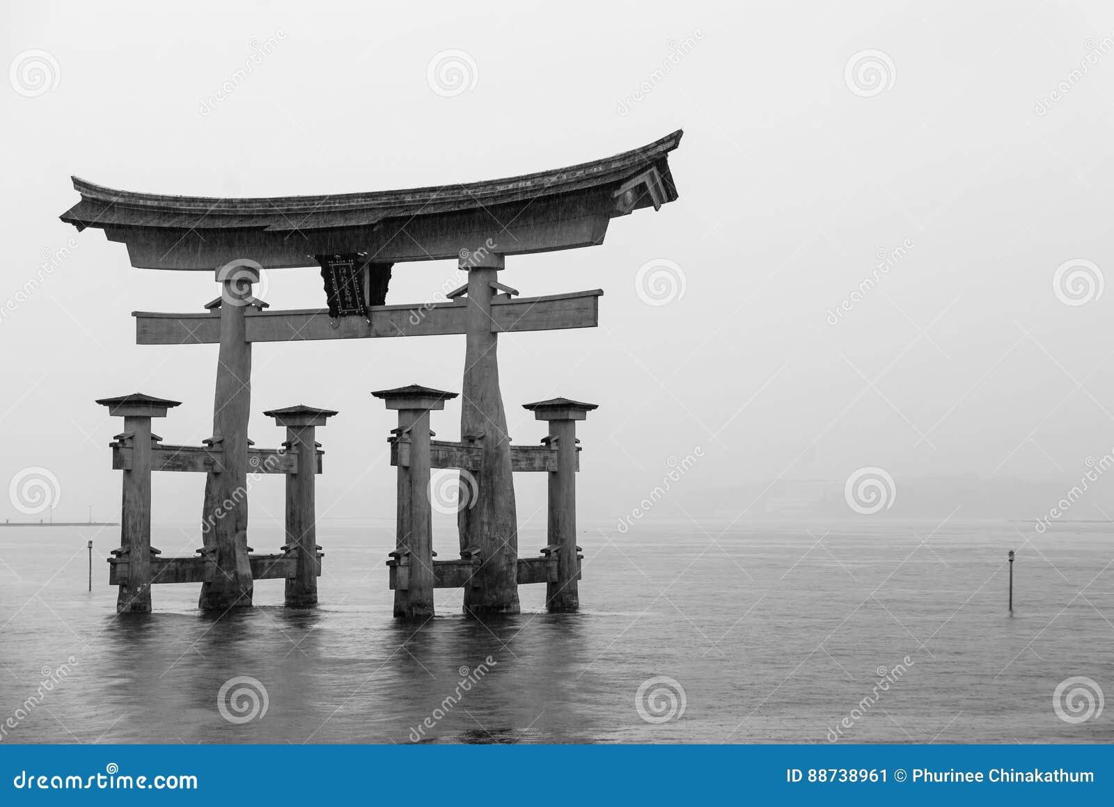 De Drijvende Torii-poort